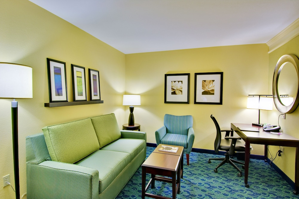 Living Area, SpringHill Suites by Marriott Birmingham Colonnade
