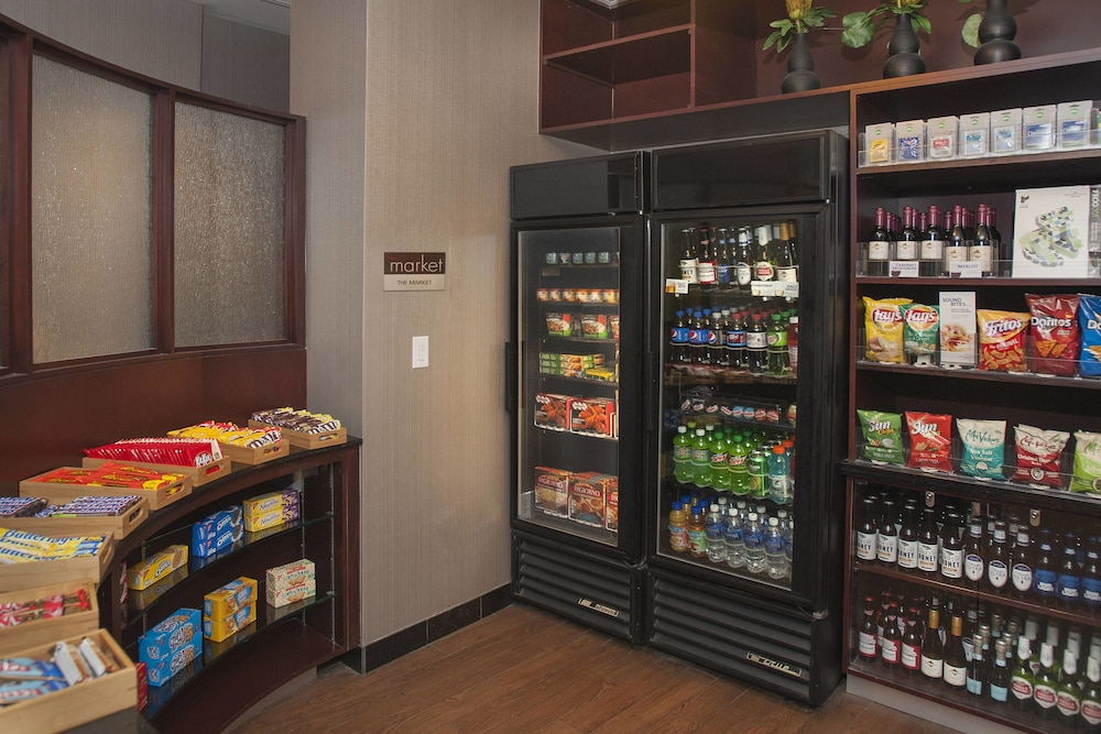 Gift Shop, SpringHill Suites by Marriott Birmingham Colonnade