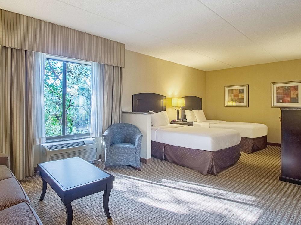 La Quinta Inn Amp Suites By Wyndham Edgewood Aberdeen