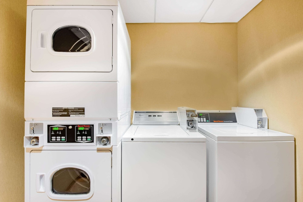 Laundry Room, La Quinta Inn & Suites by Wyndham Bel Air/I-95 Exit 77A