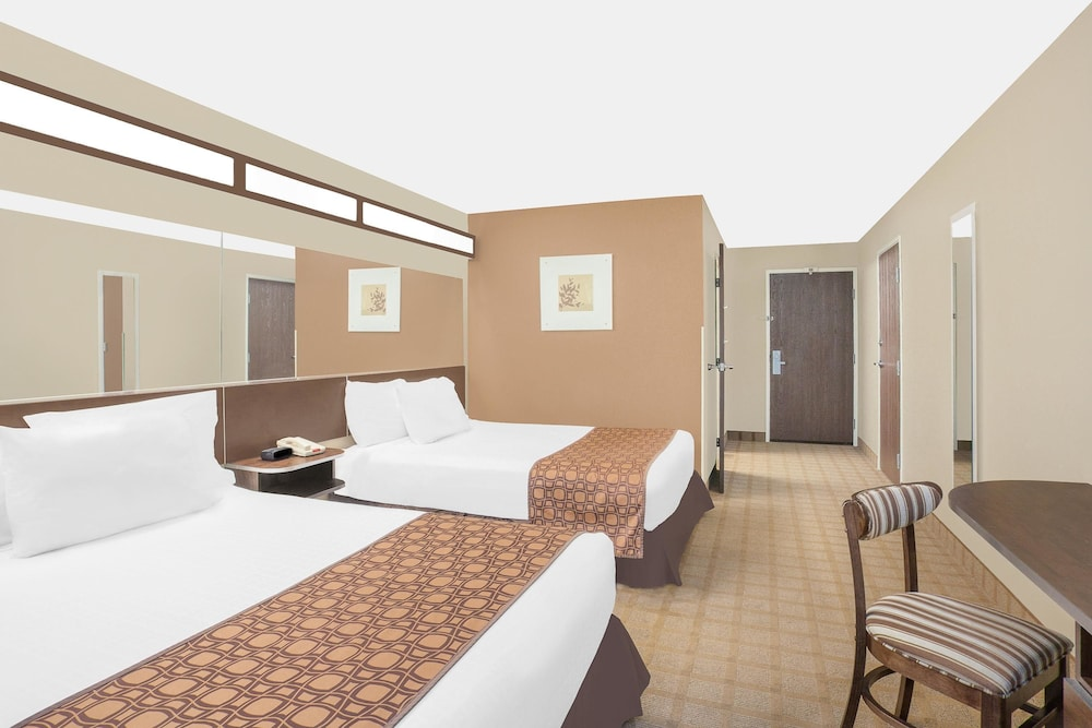 Room, Microtel Inn & Suites by Wyndham Manchester