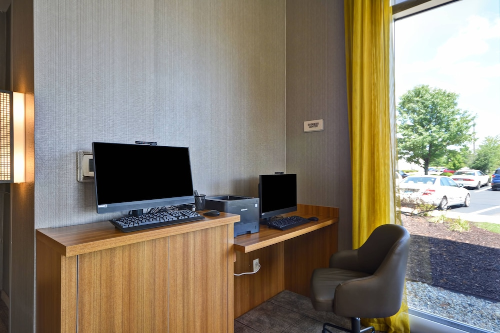 Business Center, SpringHill Suites by Marriott Indianapolis Airport/Plainfield