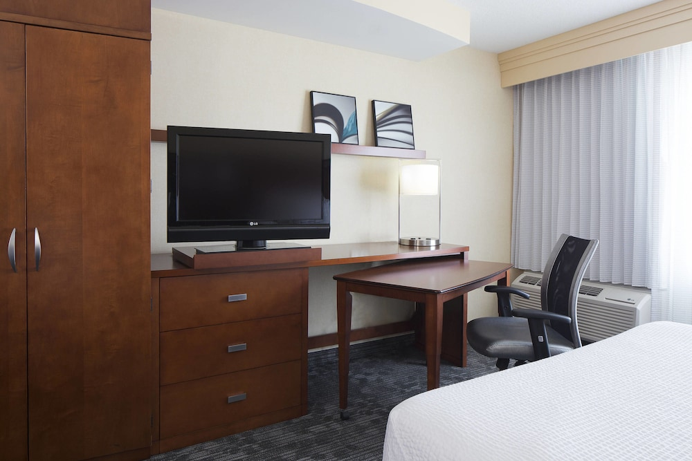 Room, Courtyard Marriott Ankeny