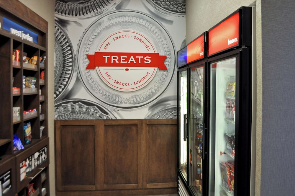 Snack Bar, Hampton Inn & Suites Salt Lake City-West Jordan
