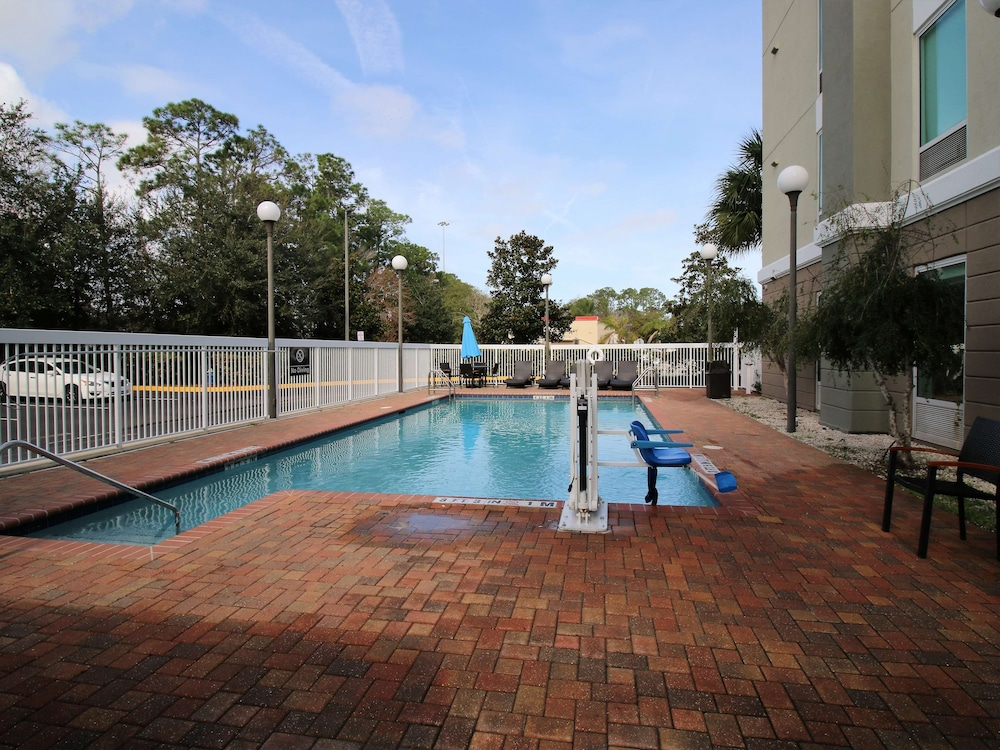 Pool, Hampton Inn & Suites Palm Coast