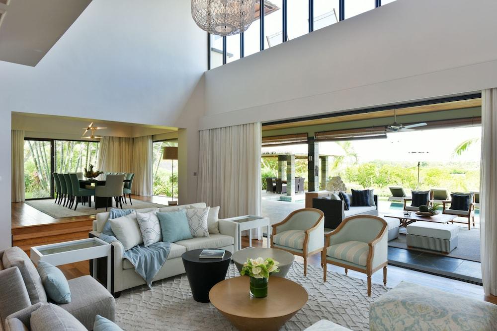 Four seasons mauritius at anahita in grand river south - Decoration interieur villa luxe ...