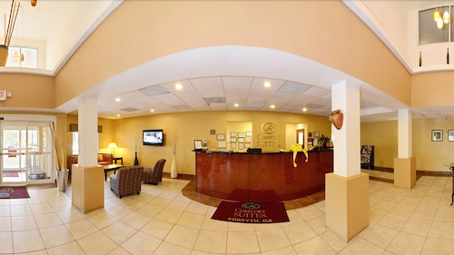 Reception, Comfort Suites Forsyth near I-75