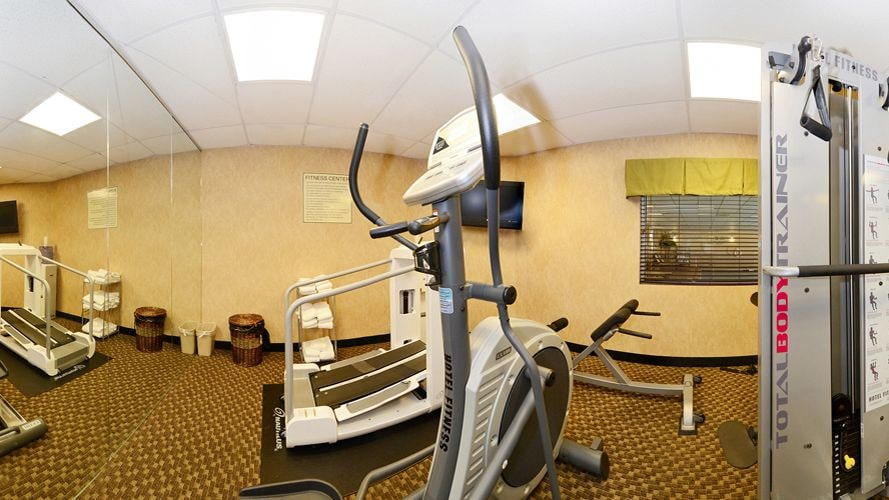 Fitness Facility, Comfort Suites Forsyth near I-75