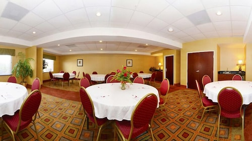 Meeting Facility, Comfort Suites Forsyth near I-75