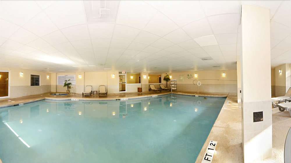Indoor Pool, Comfort Suites Forsyth near I-75
