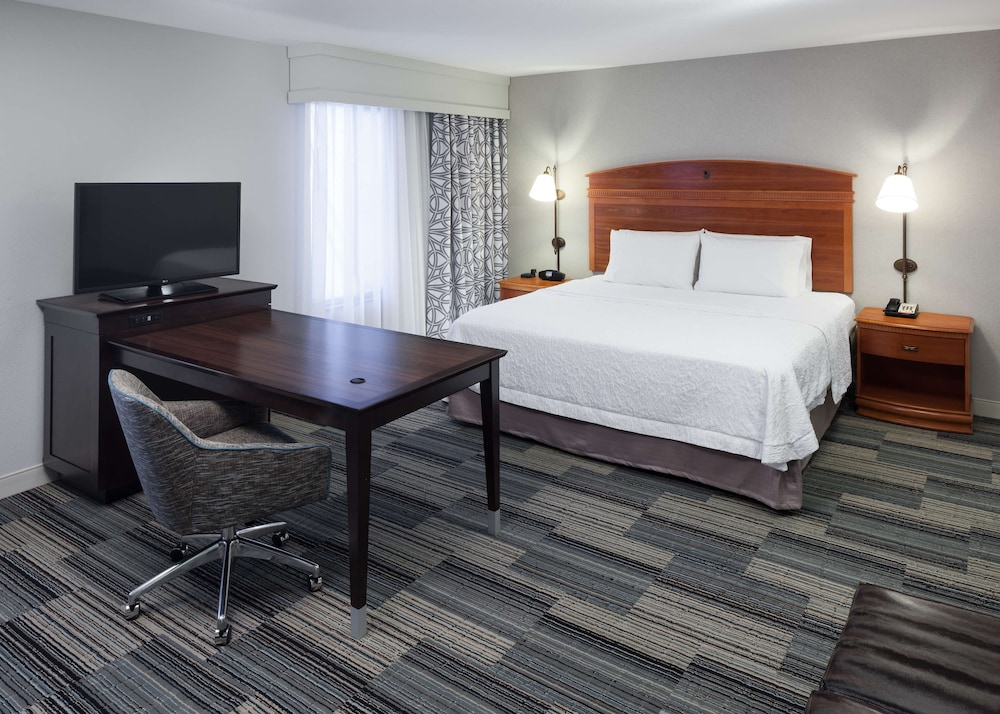 Room, Hampton Inn And Suites Tulare
