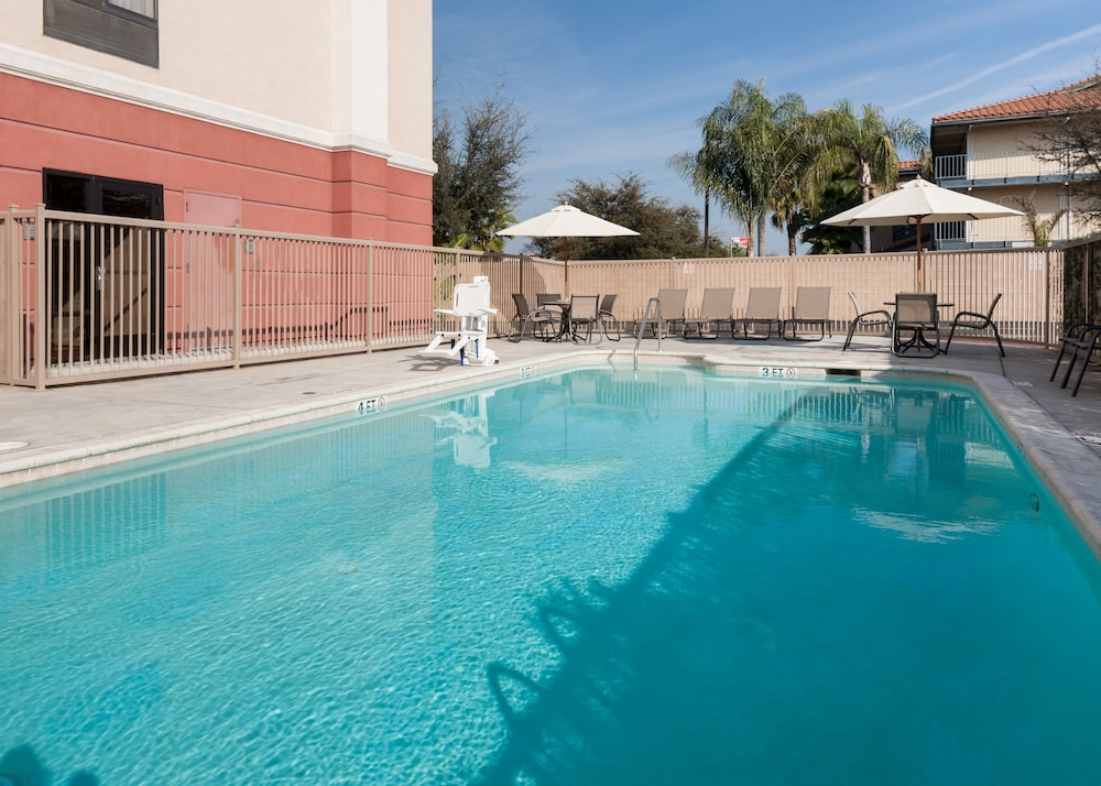 Children's Play Area - Outdoor, Hampton Inn And Suites Tulare
