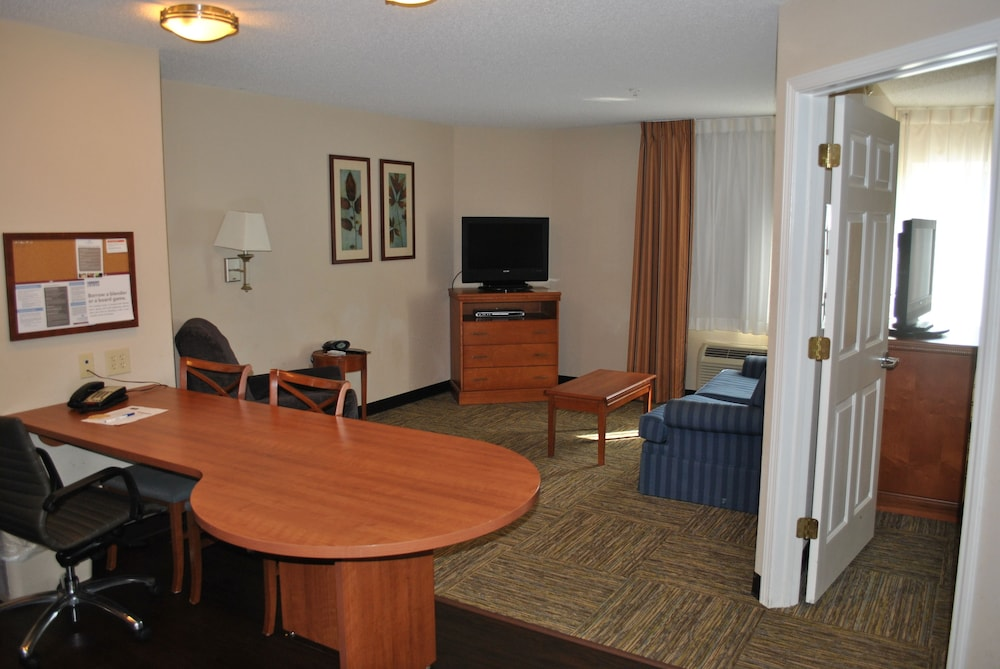 Room, Candlewood Suites Colonial Heights Fort Lee
