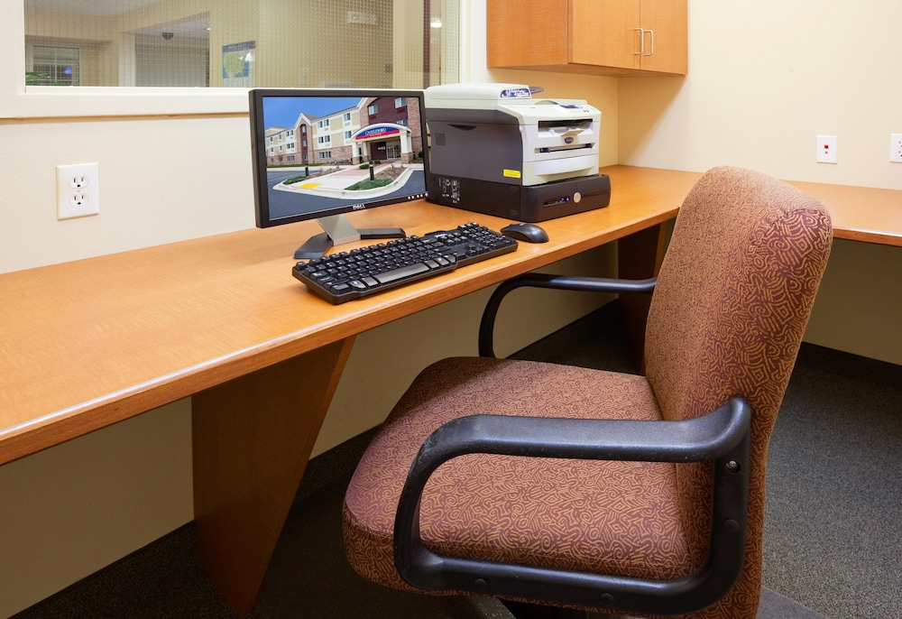 Business Center, Candlewood Suites Milwaukee Brown Deer, an IHG Hotel