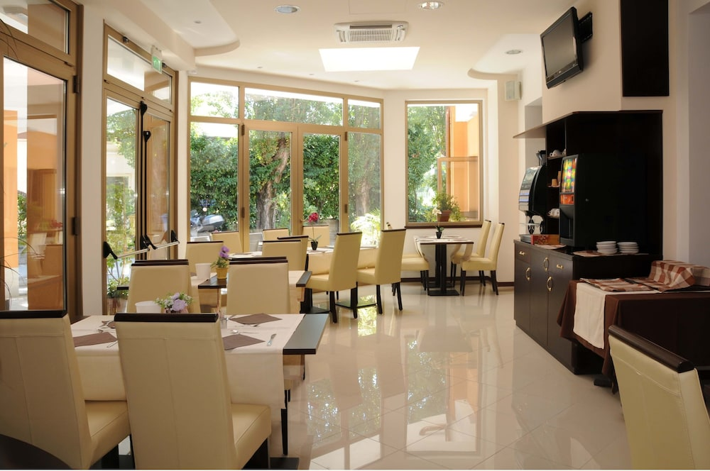 Hotel Sonia Reviews Photos Amp Rates Ebookers Ie