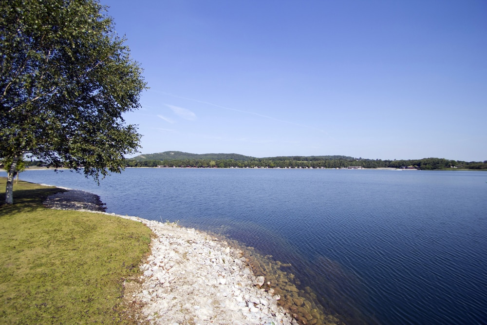 Lake, Pine Lake by Diamond Resorts