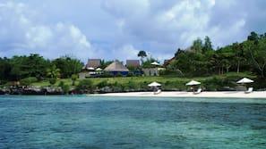 Playa privada, vela, kayak y paseos en lancha motora