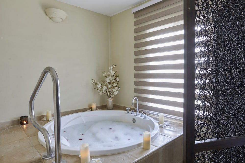 Indoor Spa Tub, Bahia Principe Luxury Ambar - Adults Only - All Inclusive