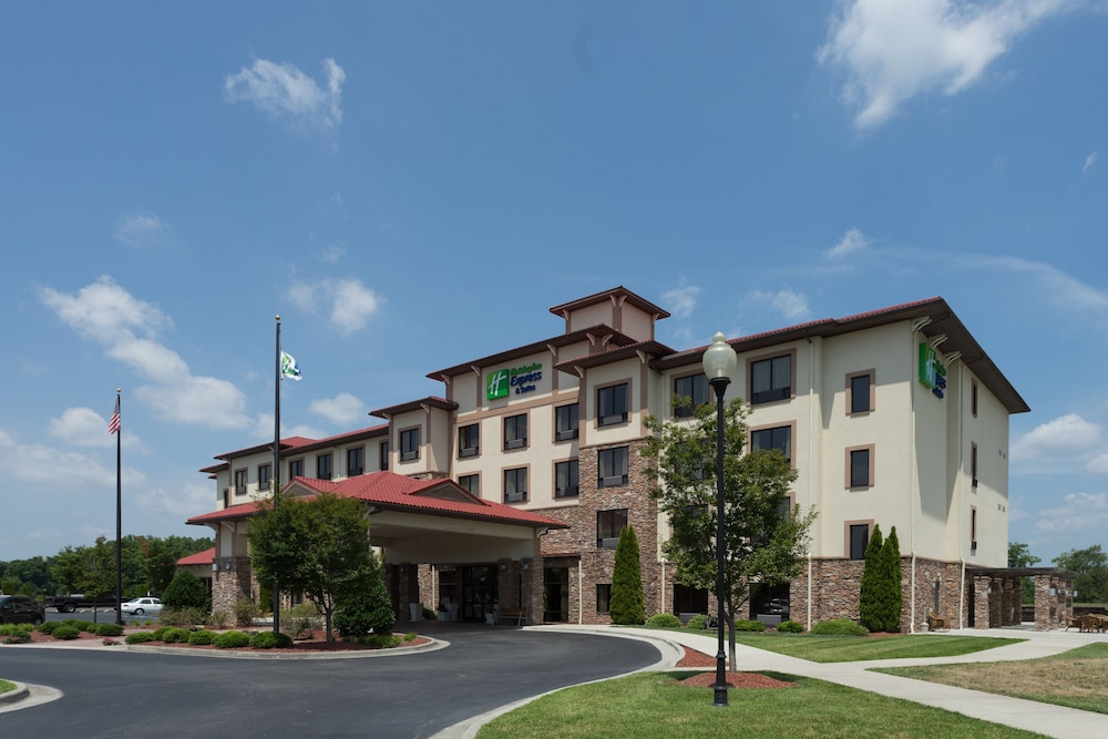 Featured Image, Holiday Inn Express Hotel & Suites Lexington NW-The Vineyard, an IHG Hotel