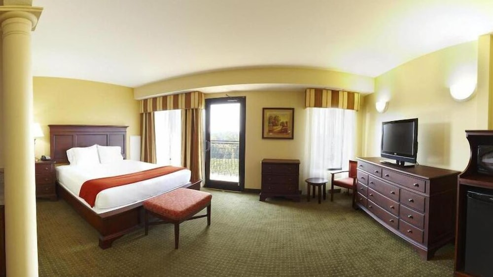 Room, Holiday Inn Express Hotel & Suites Lexington NW-The Vineyard, an IHG Hotel