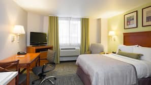 Una cassaforte in camera, una scrivania, ferro/asse da stiro