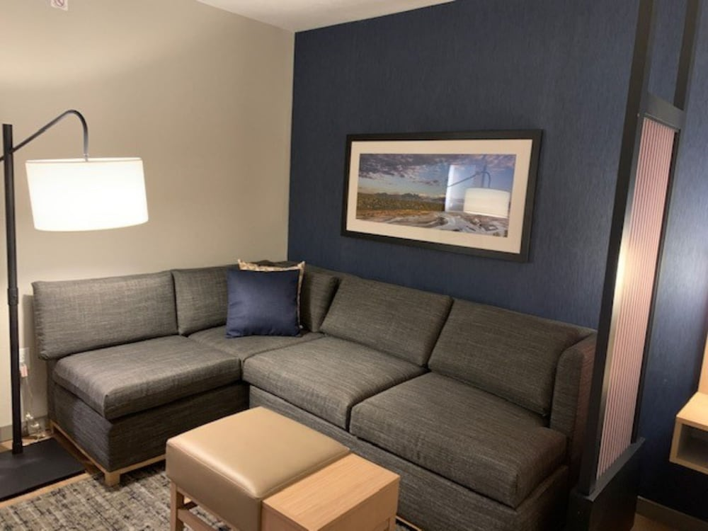 Living Area, Hyatt Place Fairbanks
