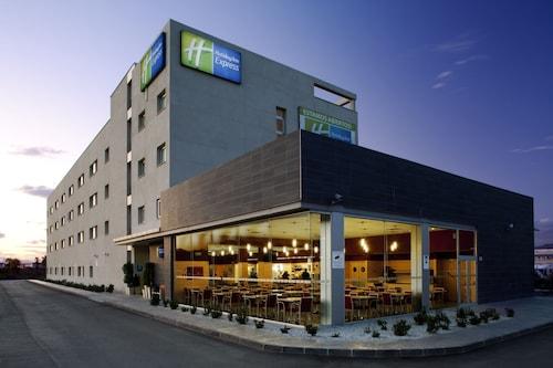 Hotels Near Desembocadura Del Guadalhorce Churriana Find