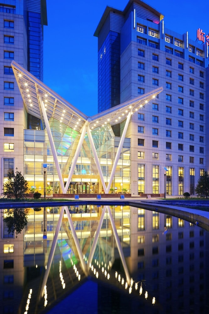 Front of Property - Evening/Night, Crowne Plaza Beijing International Airport