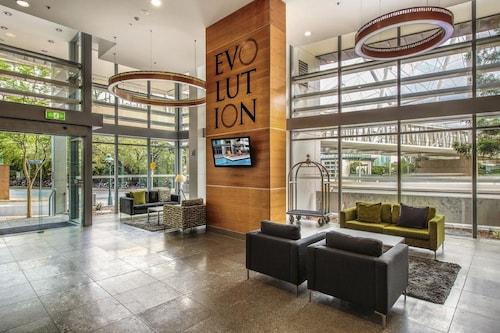 top deals on hotels near brisbane bne brisbane expedia. Black Bedroom Furniture Sets. Home Design Ideas