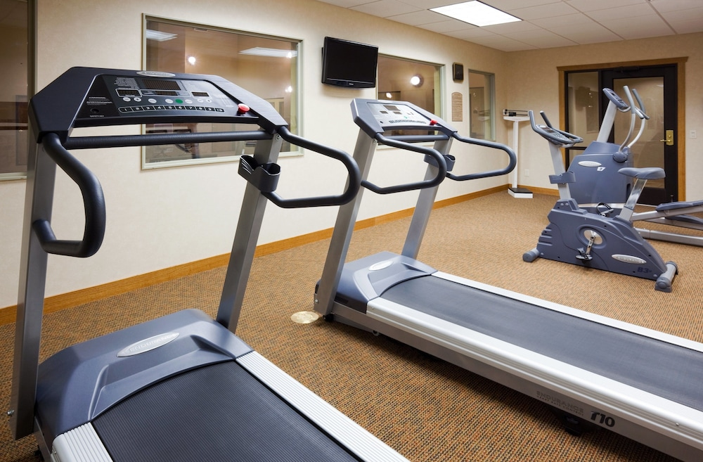 Fitness Facility, Holiday Inn Express Hotel & Suites Custer, an IHG Hotel