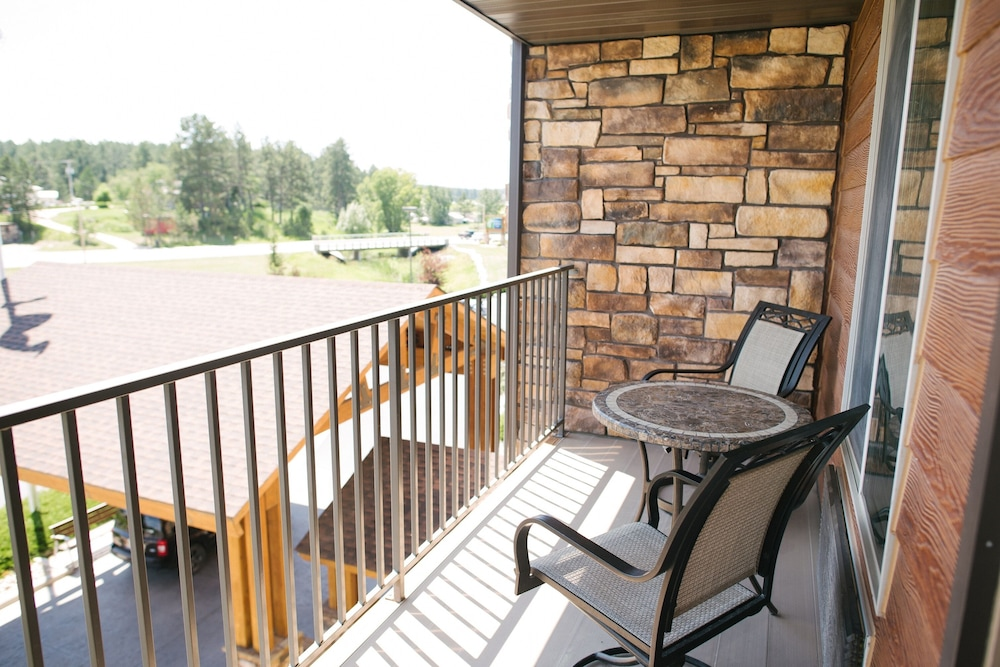Balcony, Holiday Inn Express Hotel & Suites Custer, an IHG Hotel