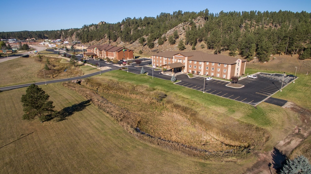 Aerial View, Holiday Inn Express Hotel & Suites Custer, an IHG Hotel