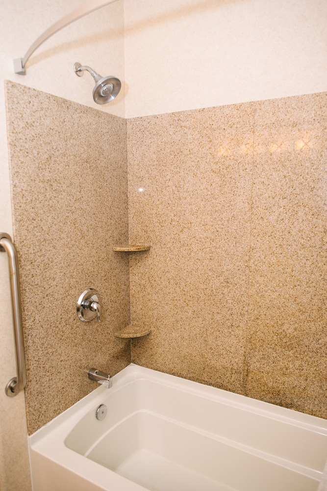 Deep Soaking Bathtub, Holiday Inn Express Hotel & Suites Custer, an IHG Hotel