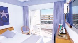 Minibar, camas supletorias gratuitas, ropa de cama