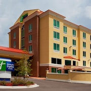 Holiday Inn Express Hotel and Suites Chaffee