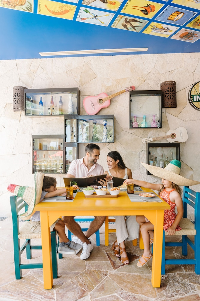 Family Dining, Azul Beach Resort Riviera Cancun, Gourmet All Inclusive by Karisma