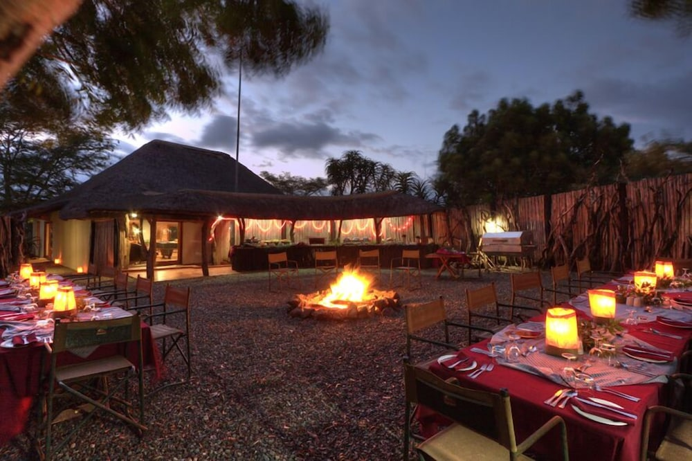 Outdoor Dining, Ubizane Wildlife Reserve