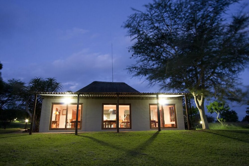Front of Property - Evening/Night, Ubizane Wildlife Reserve