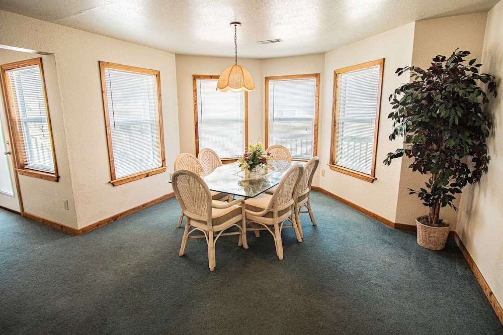 In-Room Dining, Barrier Island Station, a VRI resort