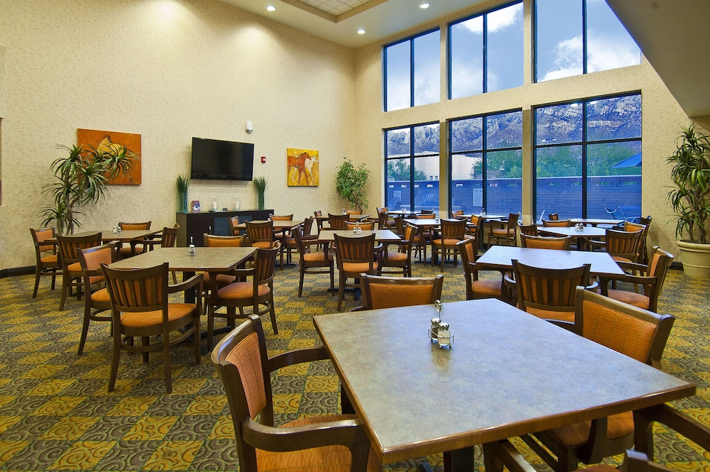 Breakfast Meal, Holiday Inn Express And Suites Oro Valley - Tucson North