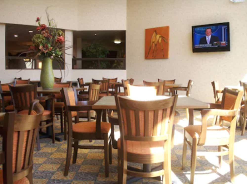 Breakfast Area, Holiday Inn Express And Suites Oro Valley - Tucson North