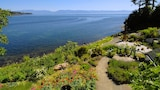 Sooke Harbour House - Sooke Hotels