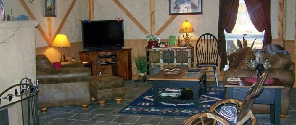 Interior, Bear Grove Cabins