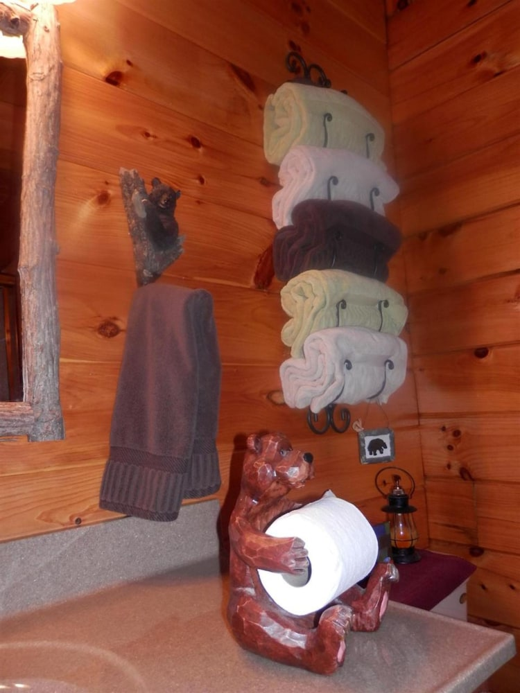 Bathroom, Bear Grove Cabins
