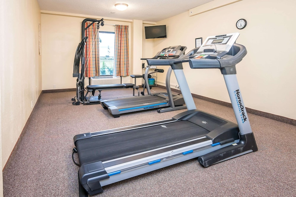 Fitness Facility, Days Inn Lake Okeechobee