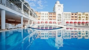 2 indoor pools, 5 outdoor pools, pool umbrellas, pool loungers