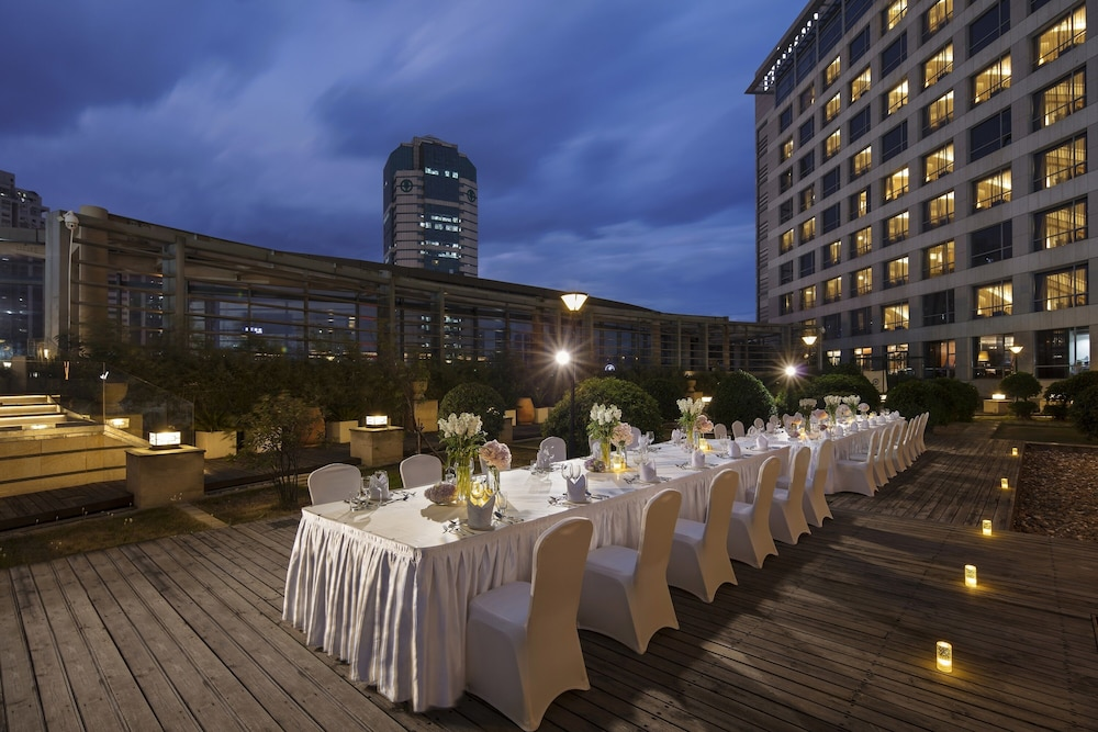 Outdoor Wedding Area, Hilton Xiamen