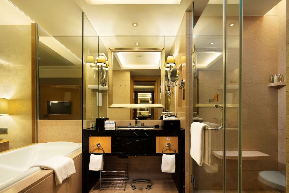 Bathroom, Hilton Xiamen