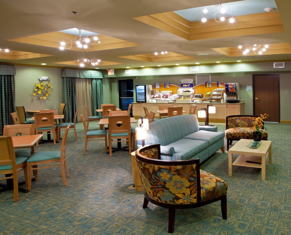Breakfast Meal, Holiday Inn Express & Suites - Thornburg, S. Fredericksburg, an IHG Hotel