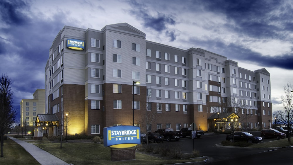 Front of Property - Evening/Night, Staybridge Suites Denver Airport